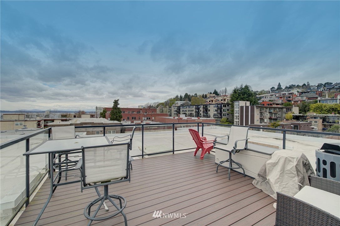 Pending | 626 4th Avenue W #303 Seattle, WA 98119 30