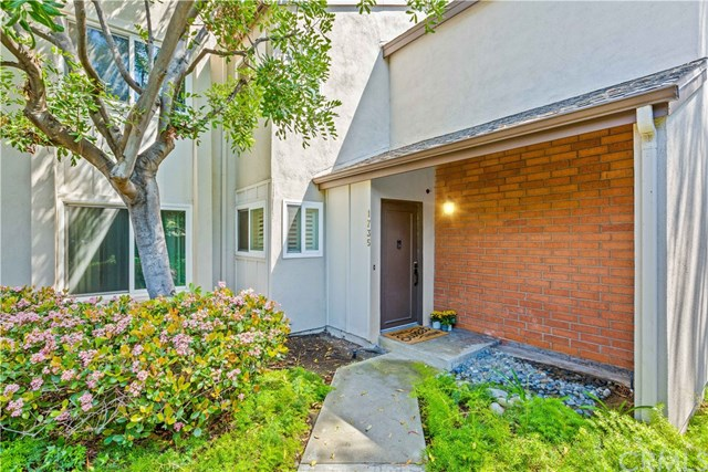 Pending | 1735 Oldstone Court Rancho Palos Verdes, CA 90275 0