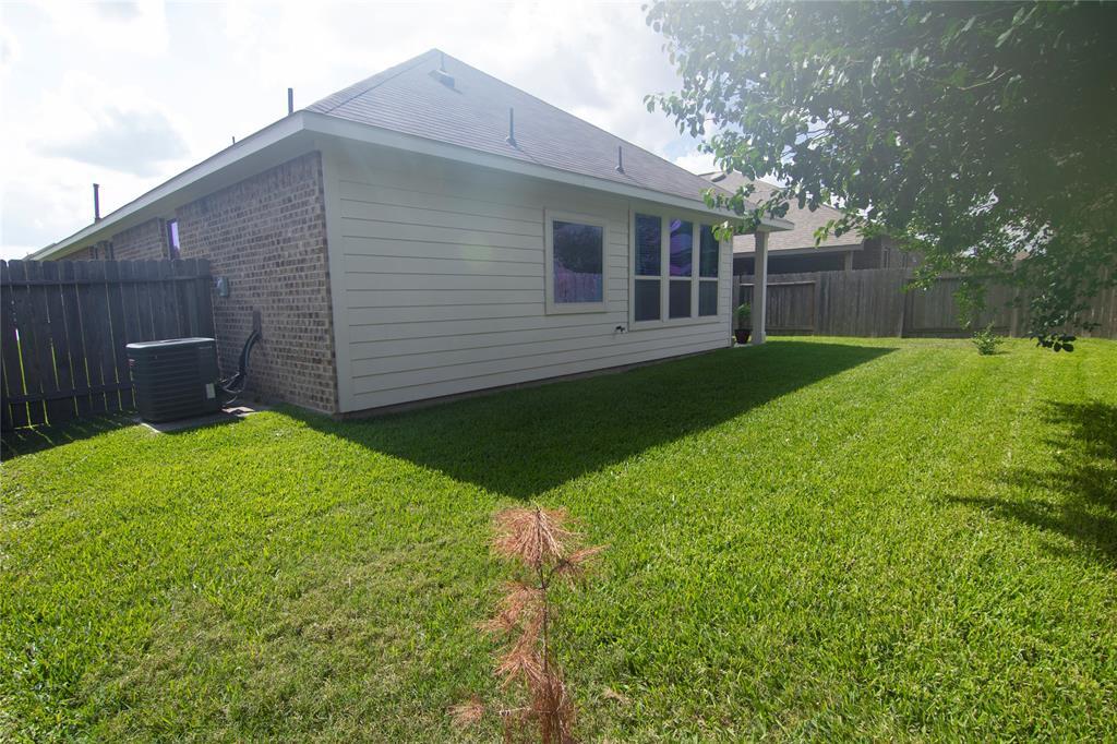 Off Market | 3834 Raintree Village Drive Katy, Texas 77449 8