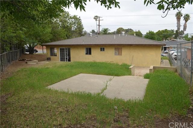 Closed | 10390 Cypress Avenue Riverside, CA 92505 24