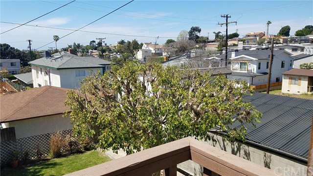 Active Under Contract | 439 Lomita Street El Segundo, CA 90245 16