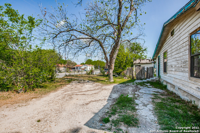 Active Option | 4231 Fortuna San Antonio, TX 78237 4