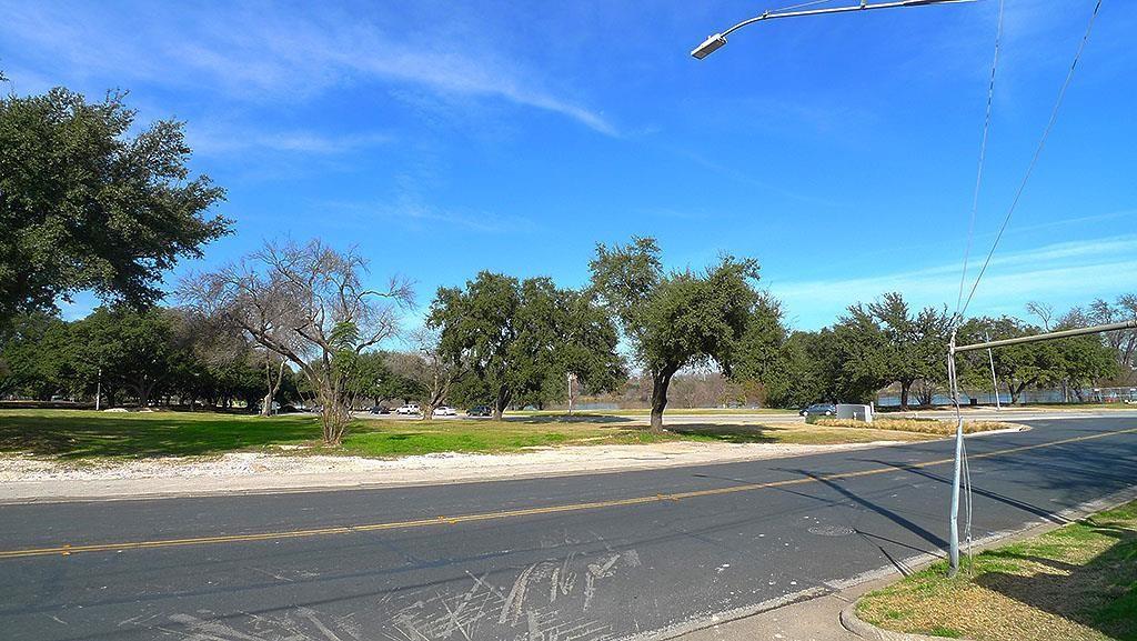 Closed   1201 Tinnin Ford Road #1 Austin, TX 78741 15