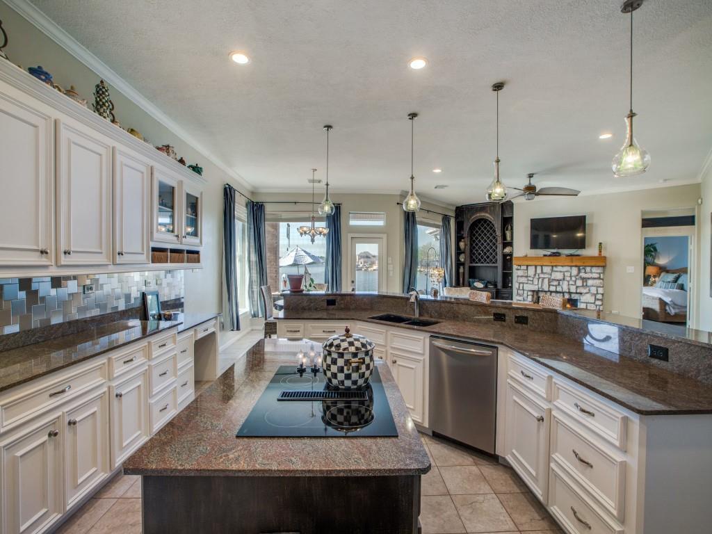 Option Pending | 13641 Lakeside Place Drive Willis, Texas 77318 13
