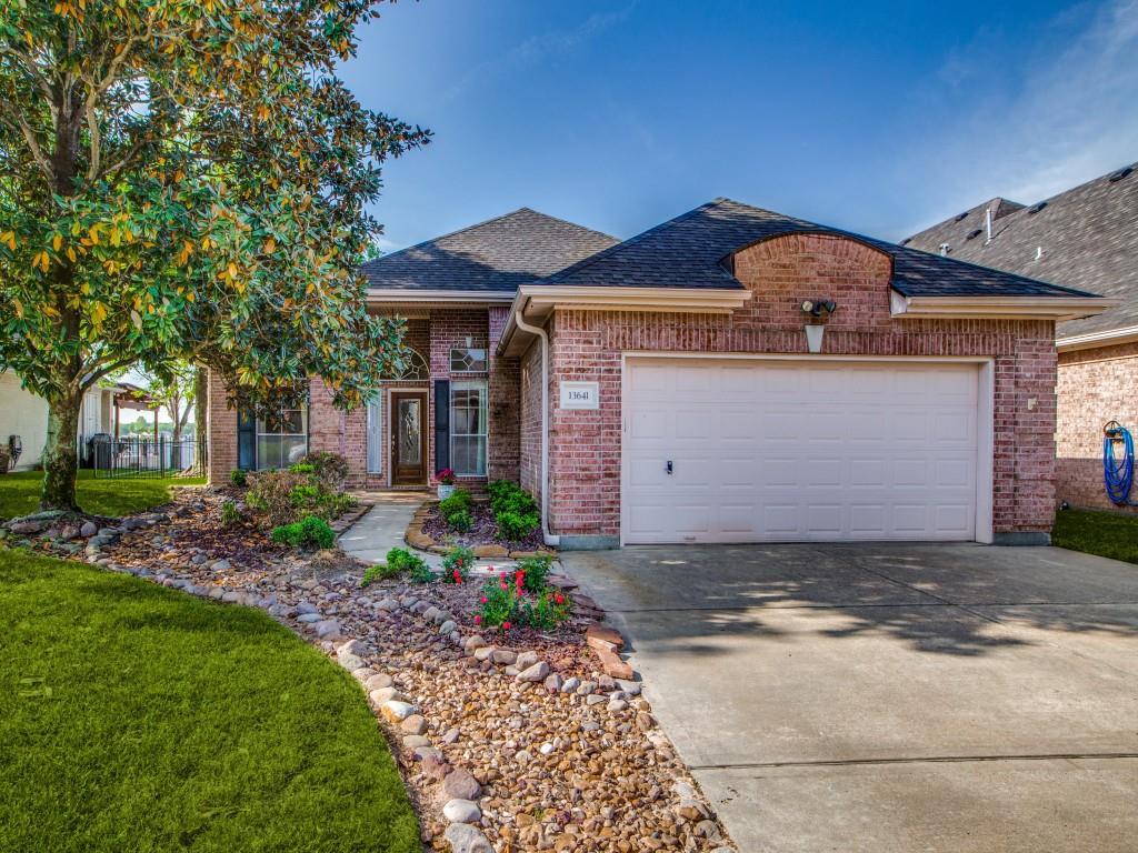 Option Pending   13641 Lakeside Place Drive Willis, Texas 77318 7