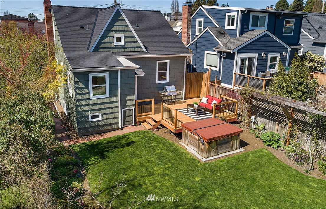 Pending | 6546 12th Avenue NW Seattle, WA 98117 2