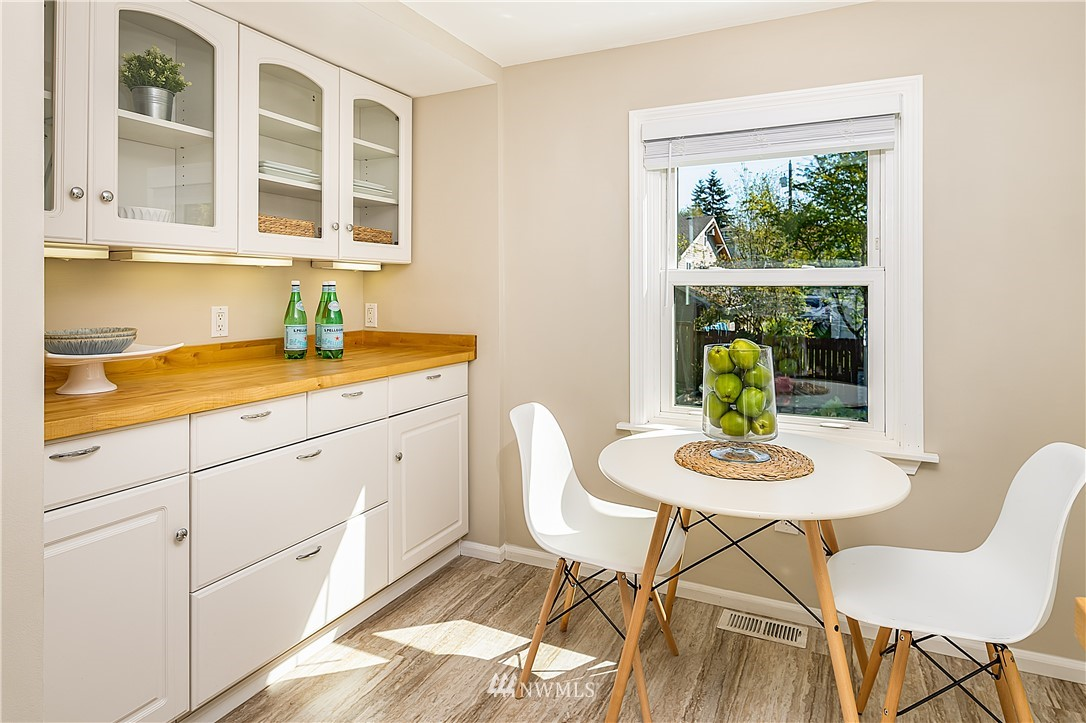 Pending | 6546 12th Avenue NW Seattle, WA 98117 9