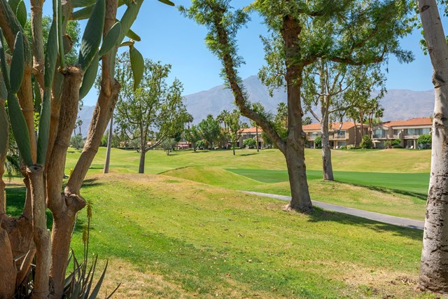 Active Under Contract | 55347 Winged Foot La Quinta, CA 92253 1
