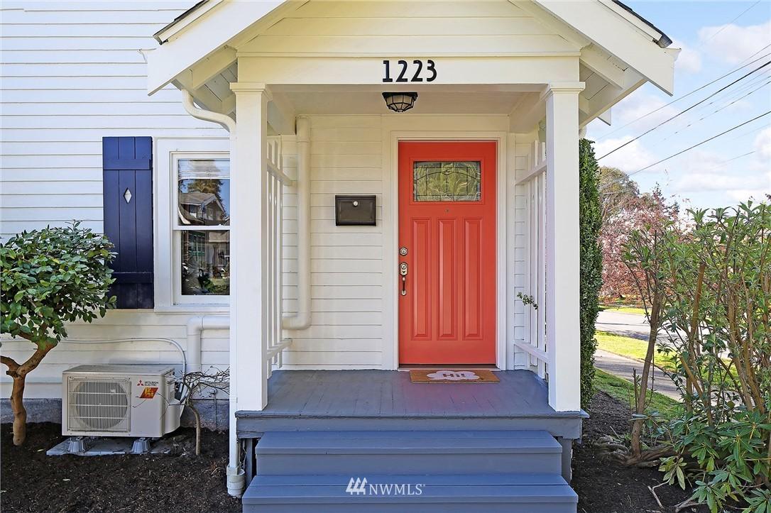 Pending | 1223 NW 83rd Street Seattle, WA 98117 2