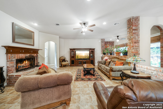 Pending | 10419 TEICH LOOP New Braunfels, TX 78132 10