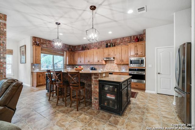 Pending | 10419 TEICH LOOP New Braunfels, TX 78132 11