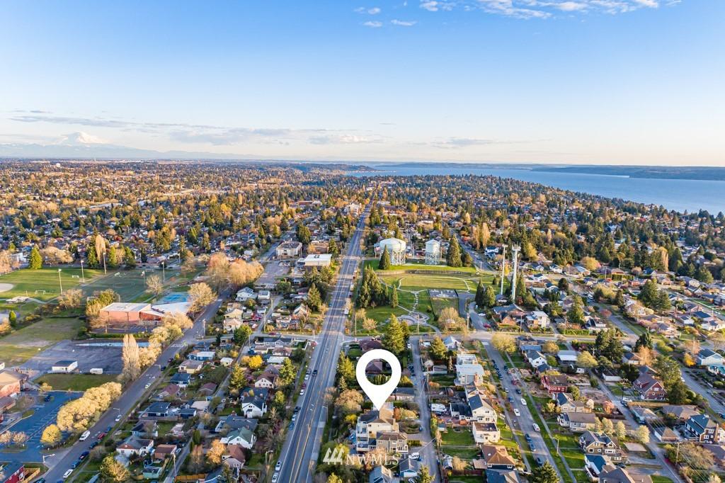 Sold Property | 6725 35th Avenue SW Seattle, WA 98126 5