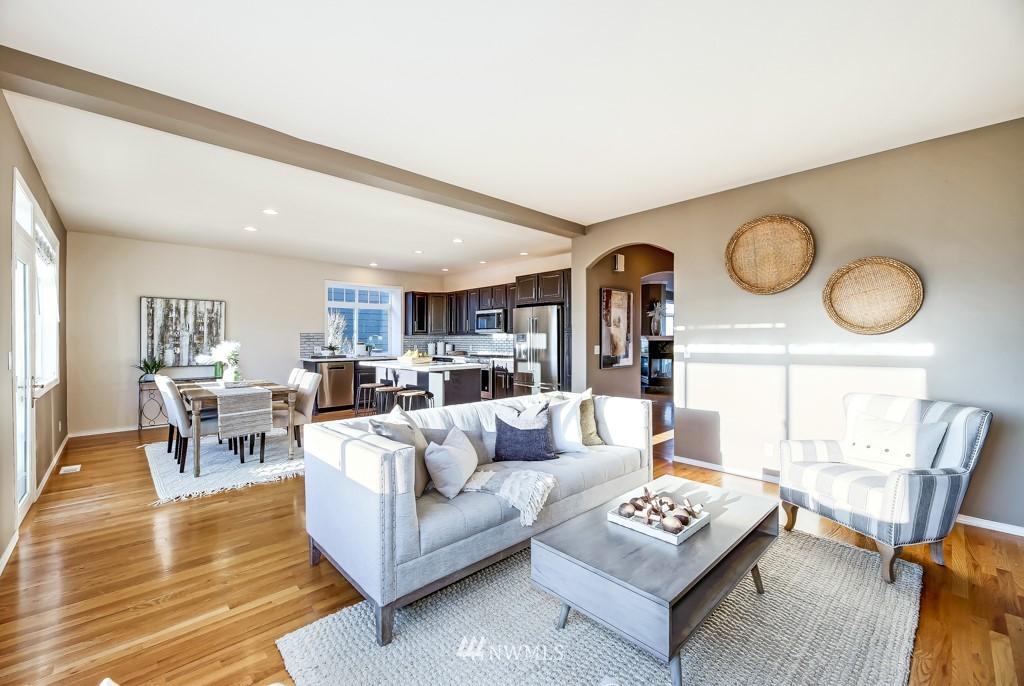 Sold Property | 6725 35th Avenue SW Seattle, WA 98126 11