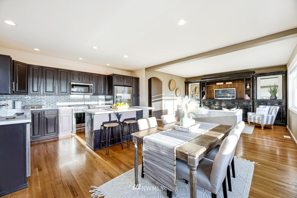 Sold Property | 6725 35th Avenue SW Seattle, WA 98126 8