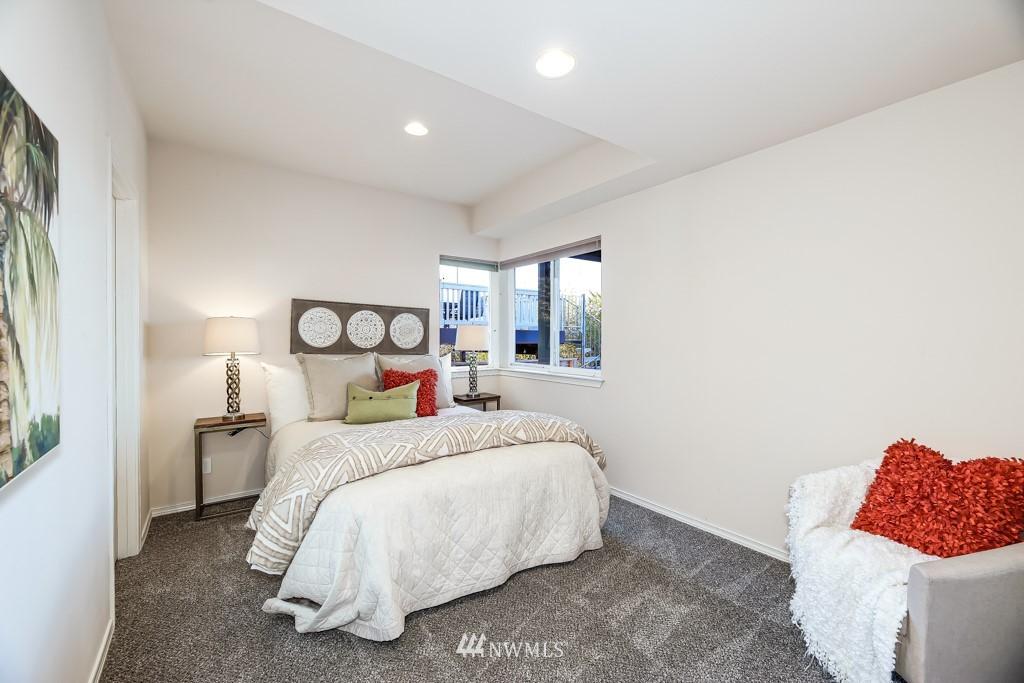 Sold Property | 6725 35th Avenue SW Seattle, WA 98126 30
