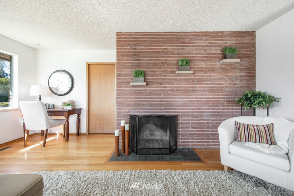 Sold Property | 12001 Fremont Avenue N Seattle, WA 98133 3