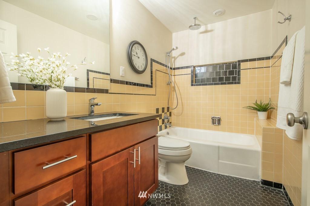 Sold Property | 12001 Fremont Avenue N Seattle, WA 98133 13
