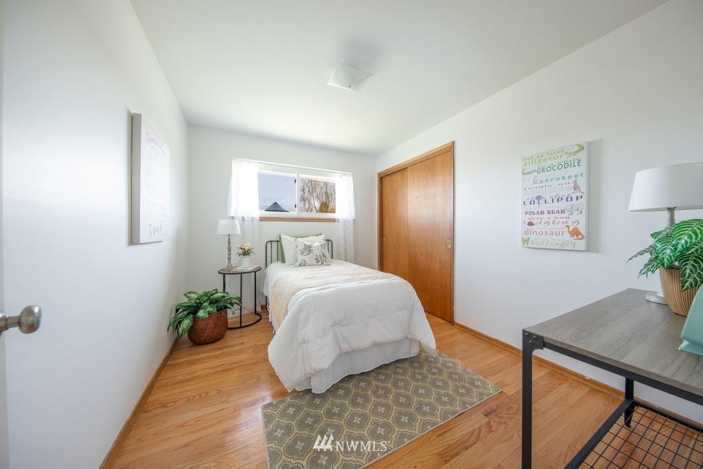 Sold Property | 12001 Fremont Avenue N Seattle, WA 98133 14