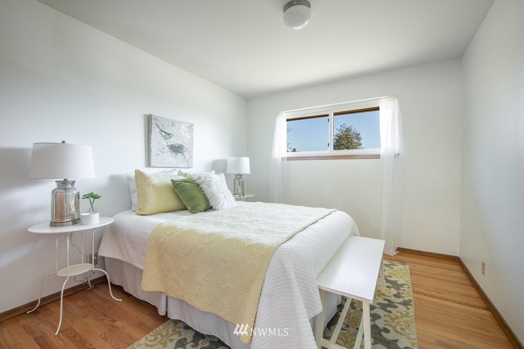 Sold Property | 12001 Fremont Avenue N Seattle, WA 98133 15