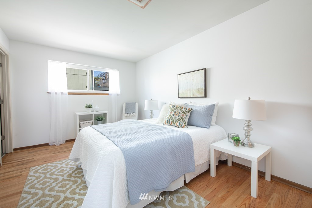 Sold Property | 12001 Fremont Avenue N Seattle, WA 98133 17