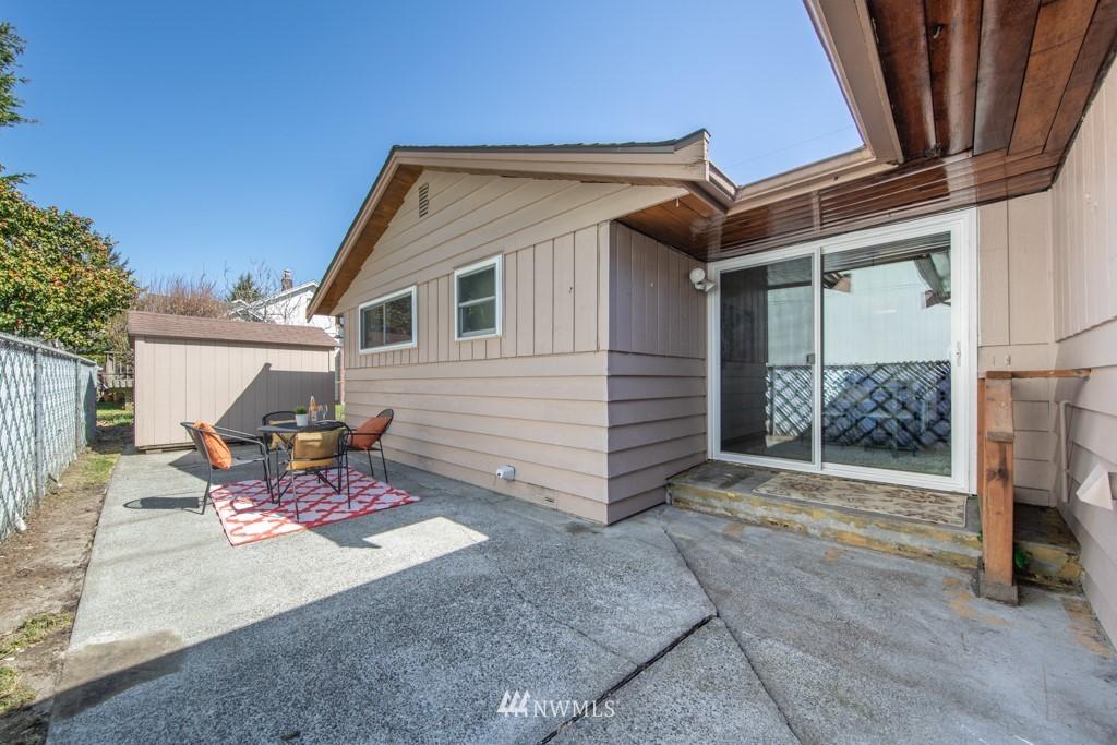 Sold Property | 12001 Fremont Avenue N Seattle, WA 98133 22