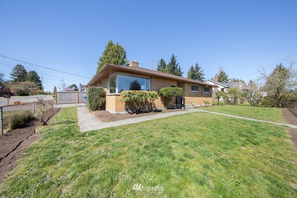 Sold Property | 12001 Fremont Avenue N Seattle, WA 98133 23