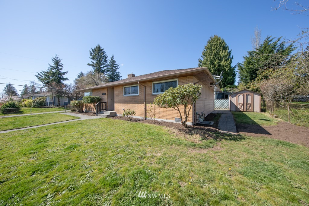Sold Property | 12001 Fremont Avenue N Seattle, WA 98133 24