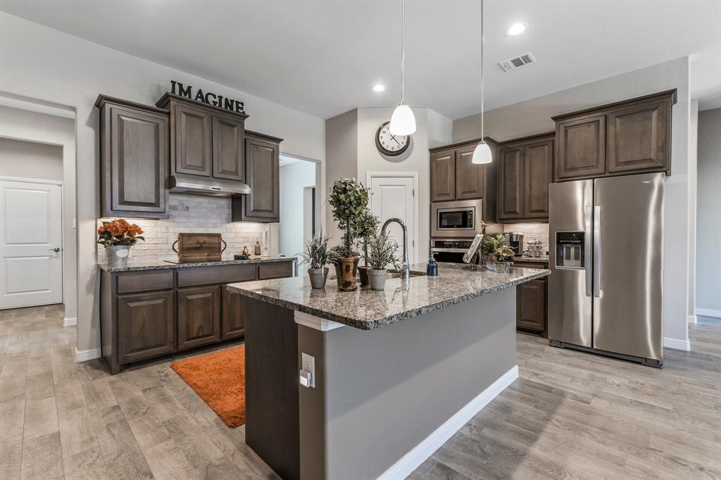 Sold Property | 4405 Tall Meadow Court Arlington, Texas 76001 10