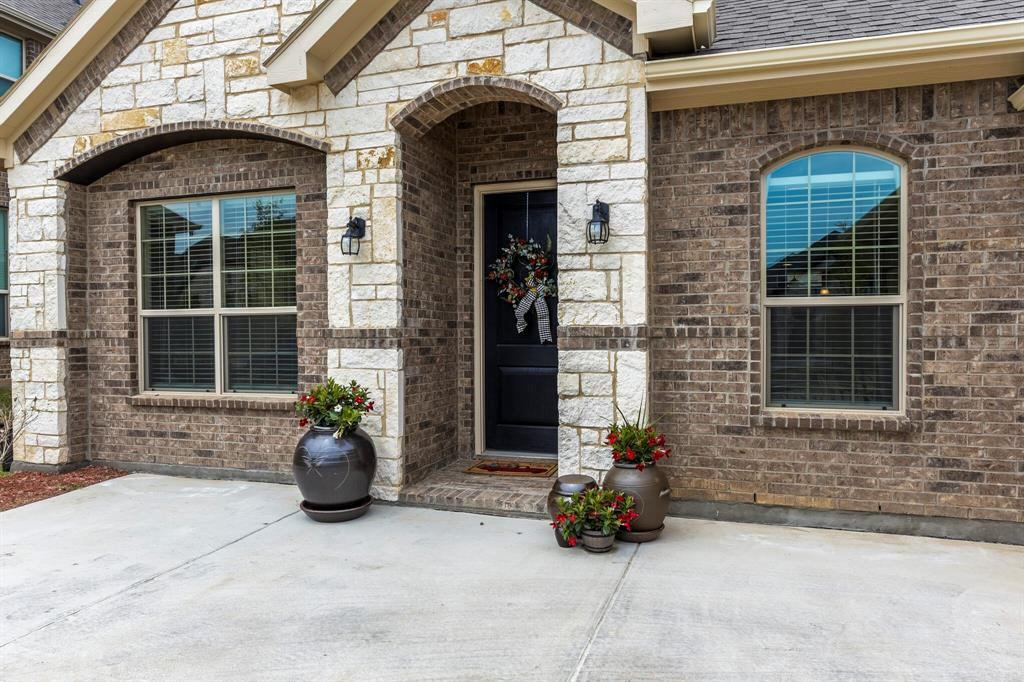 Pending | 4405 Tall Meadow Court Arlington, Texas 76001 2