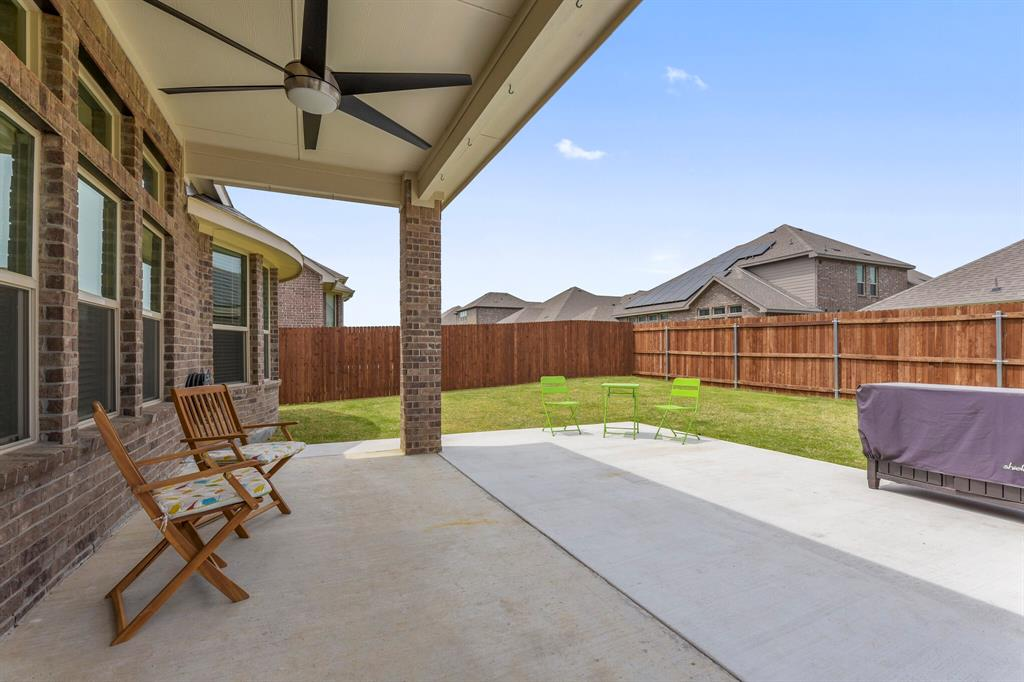 Pending | 4405 Tall Meadow Court Arlington, Texas 76001 34