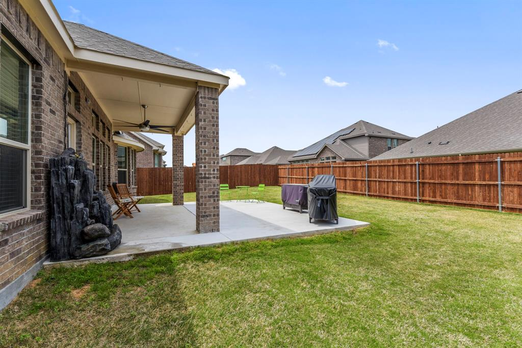 Pending | 4405 Tall Meadow Court Arlington, Texas 76001 35