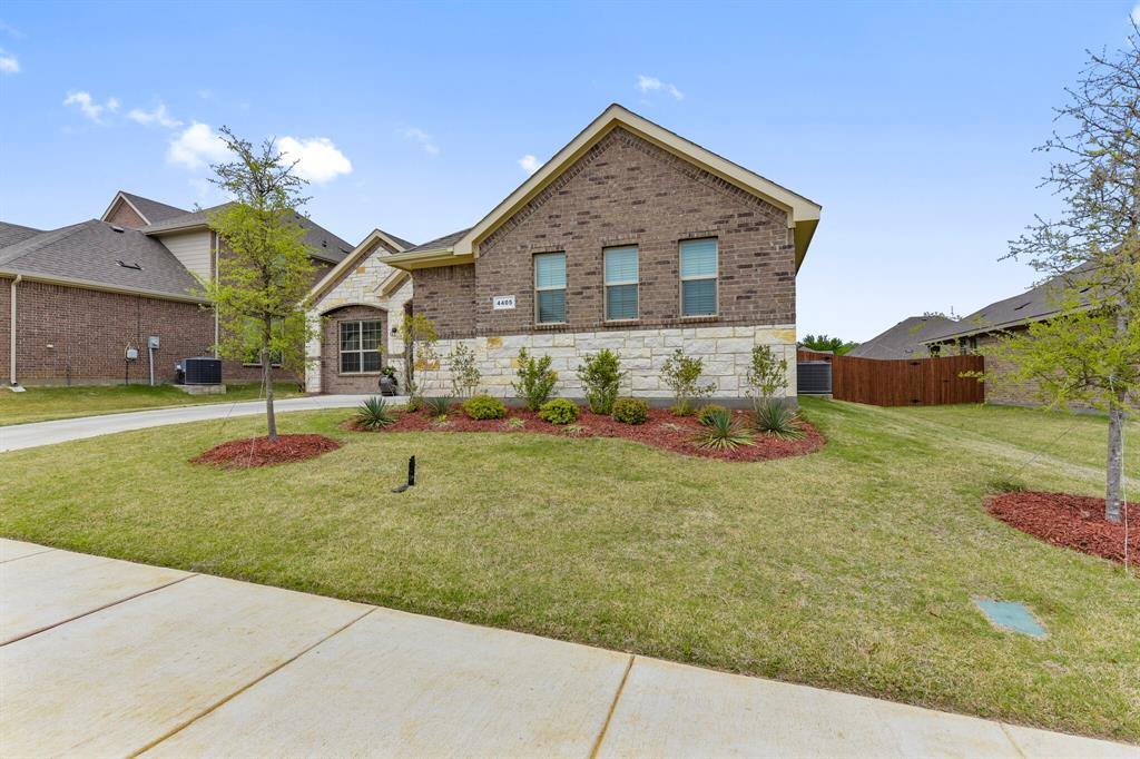 Pending | 4405 Tall Meadow Court Arlington, Texas 76001 5