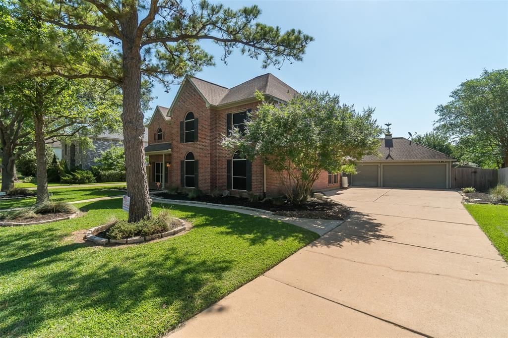 Off Market | 1205 Twin Oaks Street Friendswood, Texas 77546 3
