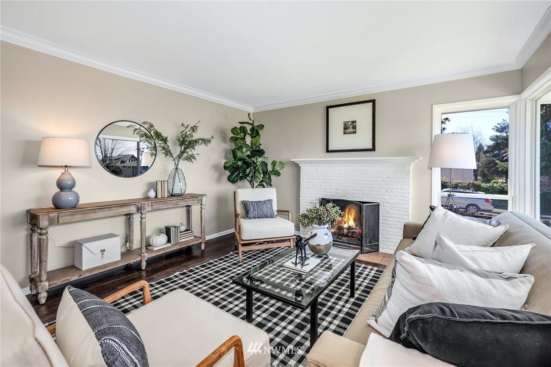 Sold Property | 302 NE 90th Street Seattle, WA 98115 2