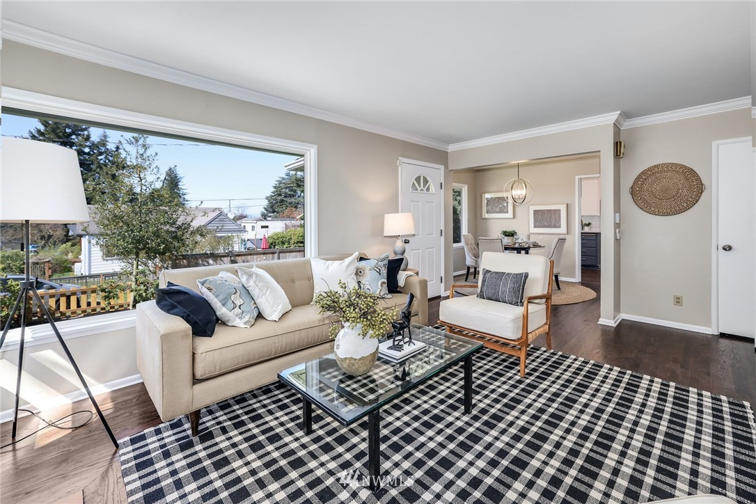 Sold Property | 302 NE 90th Street Seattle, WA 98115 3