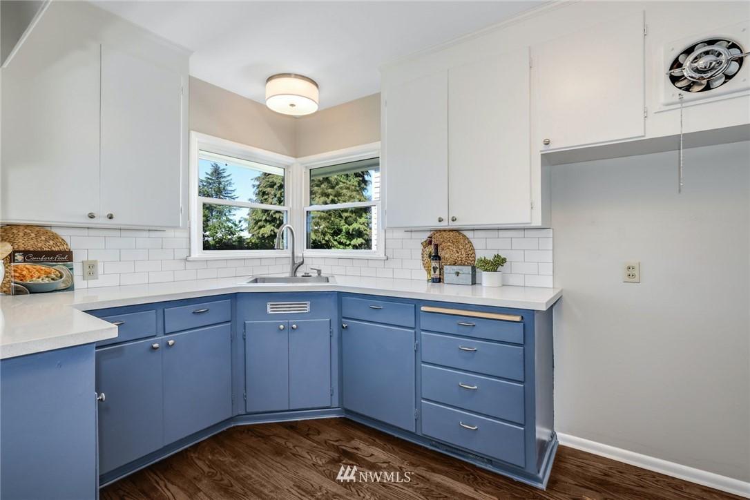Sold Property | 302 NE 90th Street Seattle, WA 98115 6