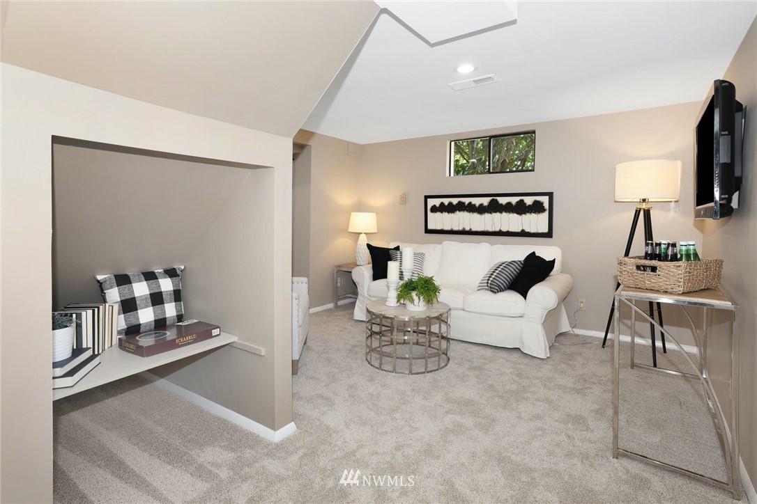 Sold Property | 302 NE 90th Street Seattle, WA 98115 13