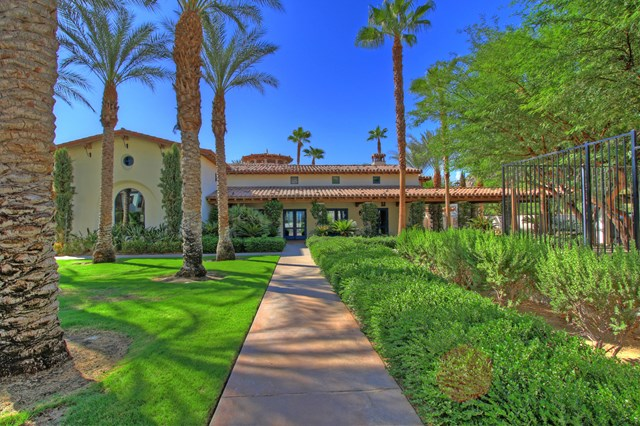 Closed   48725 Classic Drive La Quinta, CA 92253 36