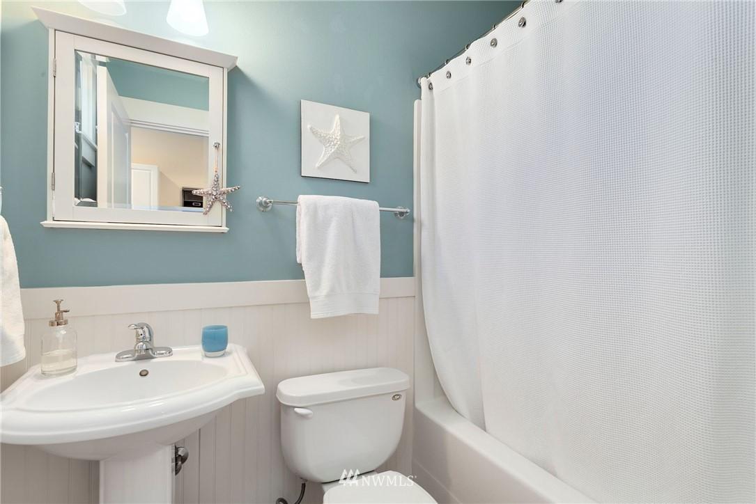 Sold Property   13100 NE James Way Kingston, WA 98346 25