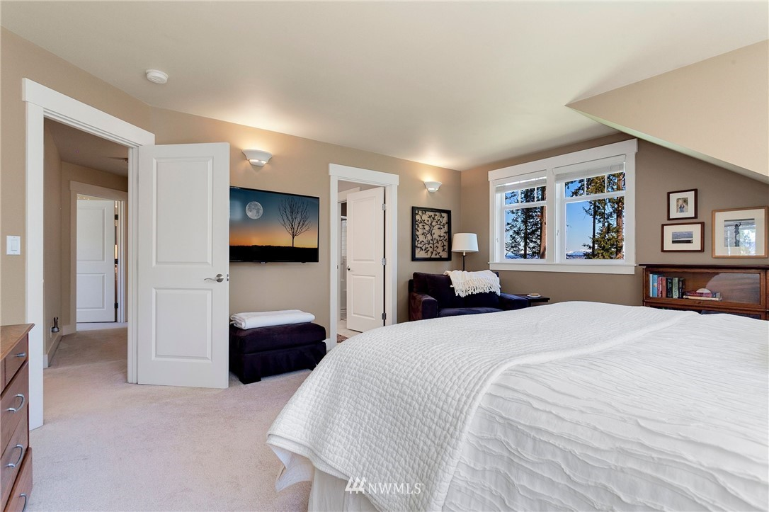 Sold Property   13100 NE James Way Kingston, WA 98346 33
