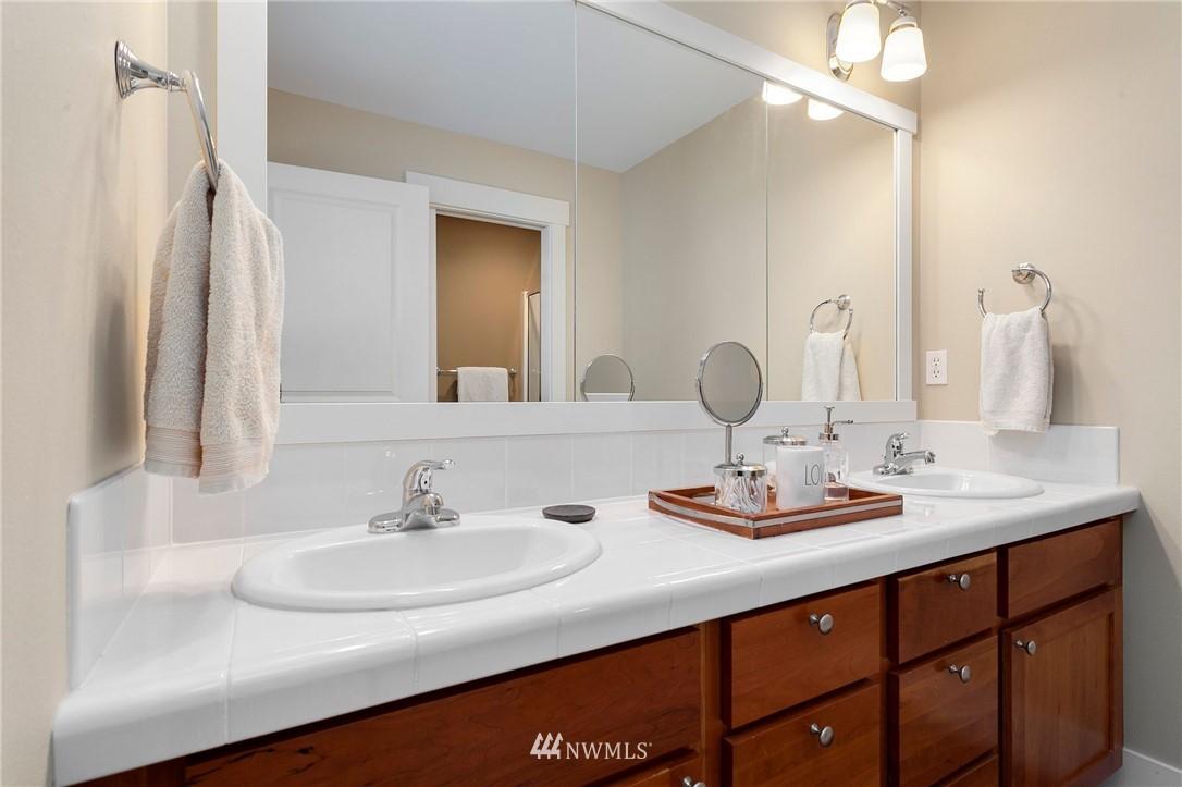 Sold Property   13100 NE James Way Kingston, WA 98346 34