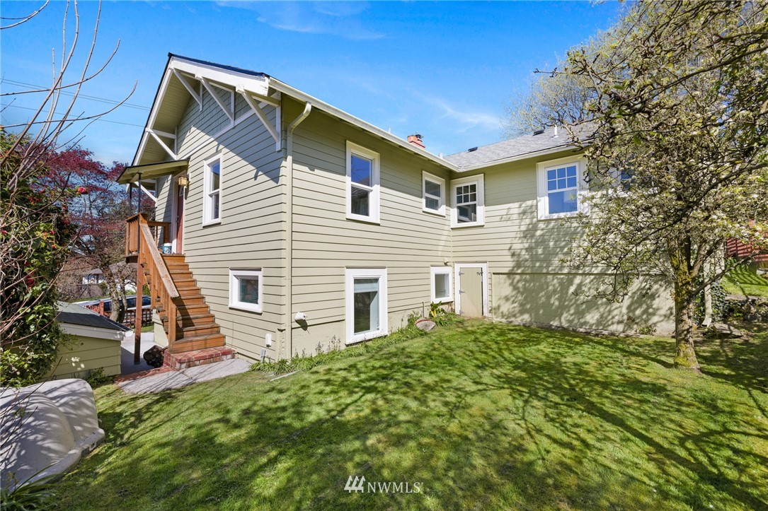 Pending | 1533 30th Avenue Seattle, WA 98122 26