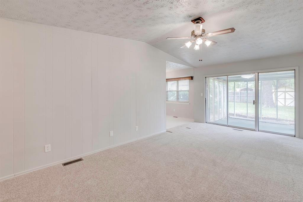 Off Market | 1110 W 16th Place Claremore, Oklahoma 74017 6