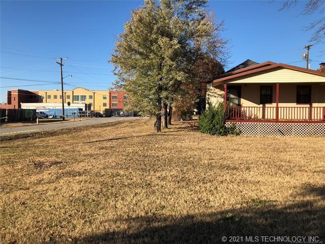 Active | 202 E 3rd Avenue Owasso, Oklahoma 74055 3