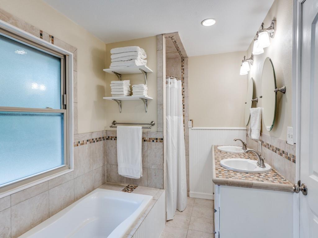 Sold Property | 11424 Cherry Ridge Court Dallas, Texas 75229 12