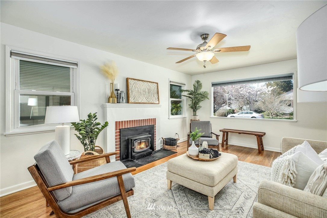 Sold Property | 8324 30th Avenue NW Seattle, WA 98117 4