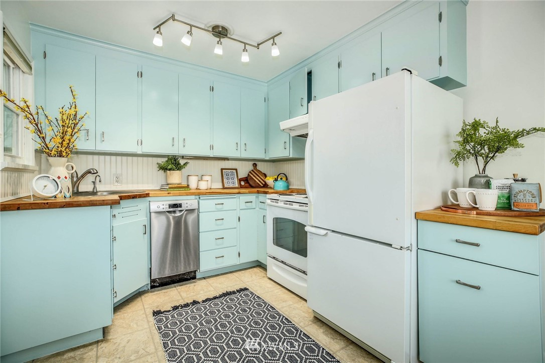 Sold Property | 8324 30th Avenue NW Seattle, WA 98117 8