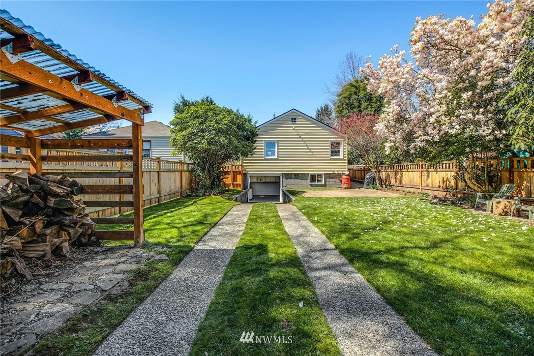 Sold Property | 8324 30th Avenue NW Seattle, WA 98117 18