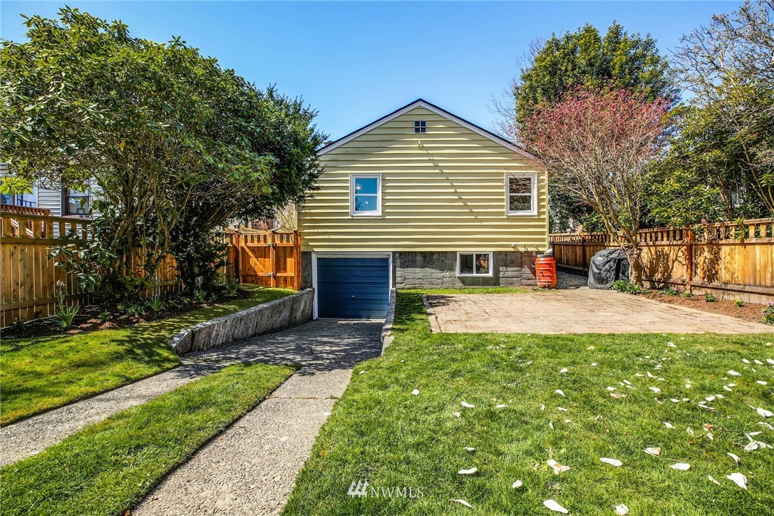 Sold Property | 8324 30th Avenue NW Seattle, WA 98117 20