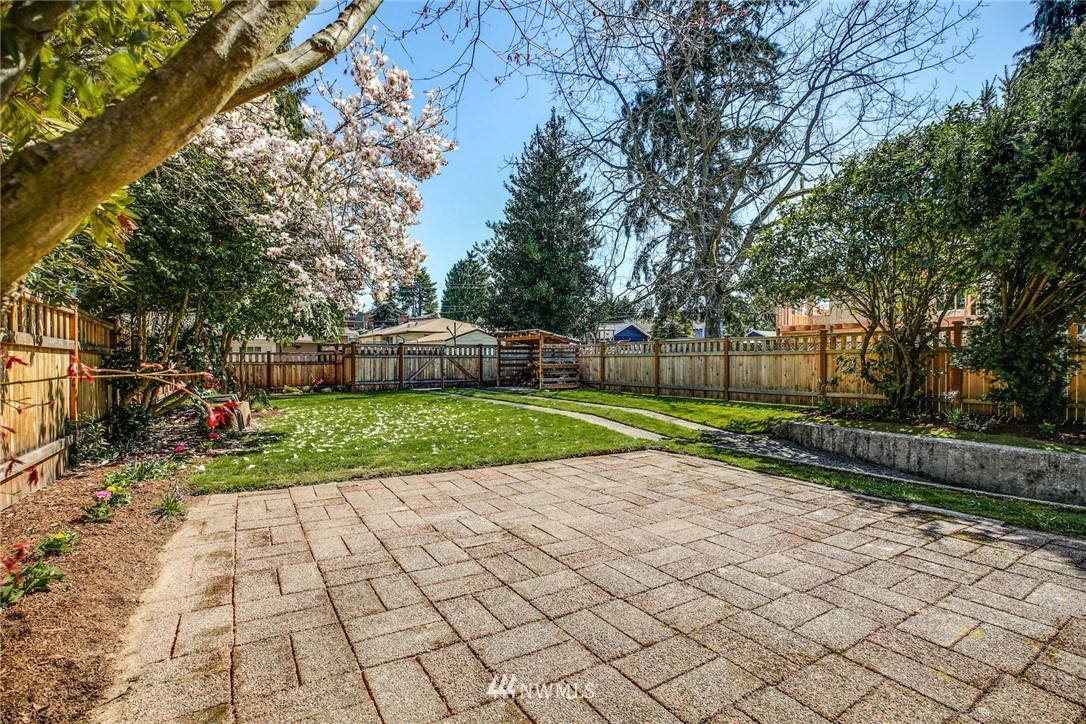 Sold Property | 8324 30th Avenue NW Seattle, WA 98117 22